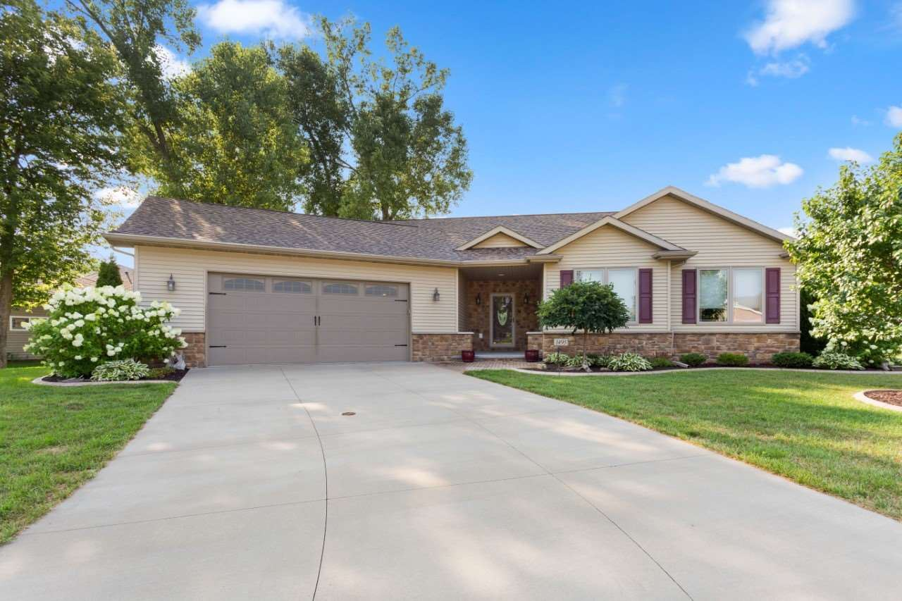 Photo for 1495 W CASUAL Court, APPLETON, WI 54913 (MLS # 50225018)