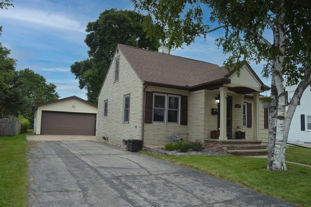 314 S LINCOLN Street, Kimberly, WI 54136 - MLS#: 50245022
