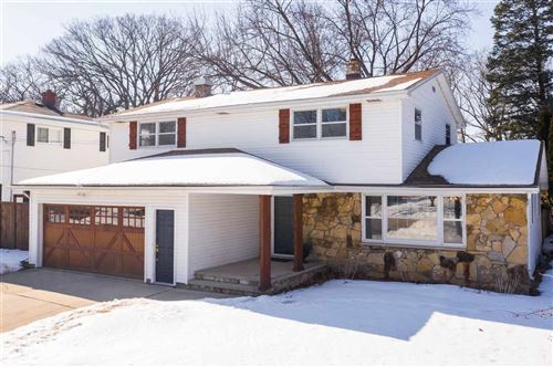 Photo of 124 E CRESTVIEW Drive, APPLETON, WI 54915 (MLS # 50236024)