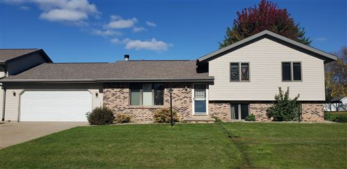 Photo of 2216 CLOUDVIEW Court, APPLETON, WI 54914 (MLS # 50250026)