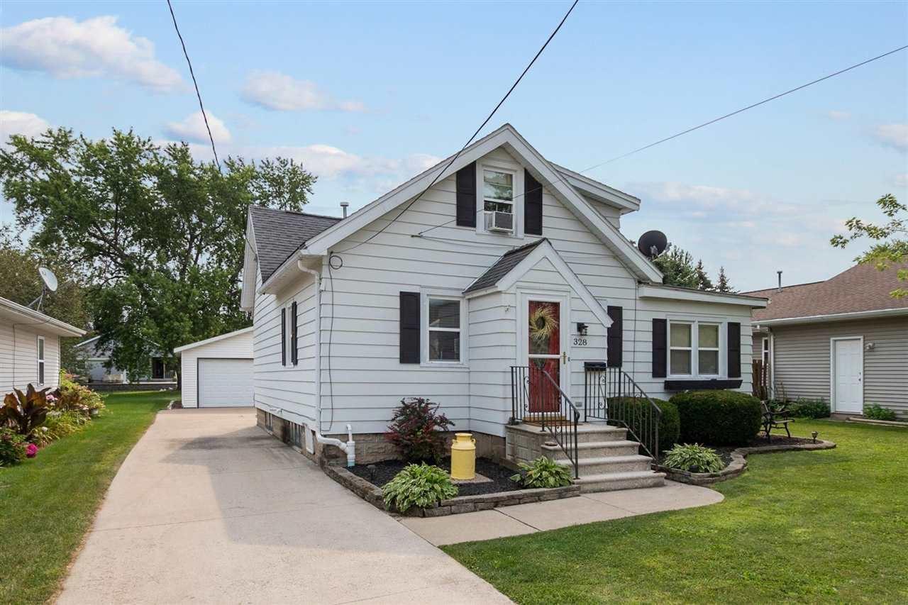 328 GUENTHER Street, Oshkosh, WI 54902 - MLS#: 50245027