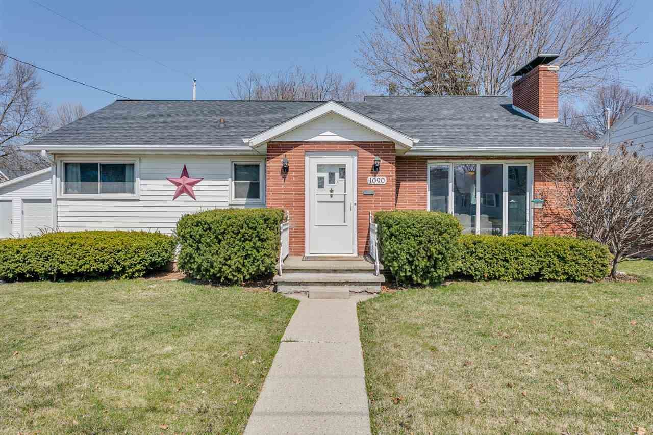 1090 HICKORY HILL Drive, Green Bay, WI 54304 - MLS#: 50238030