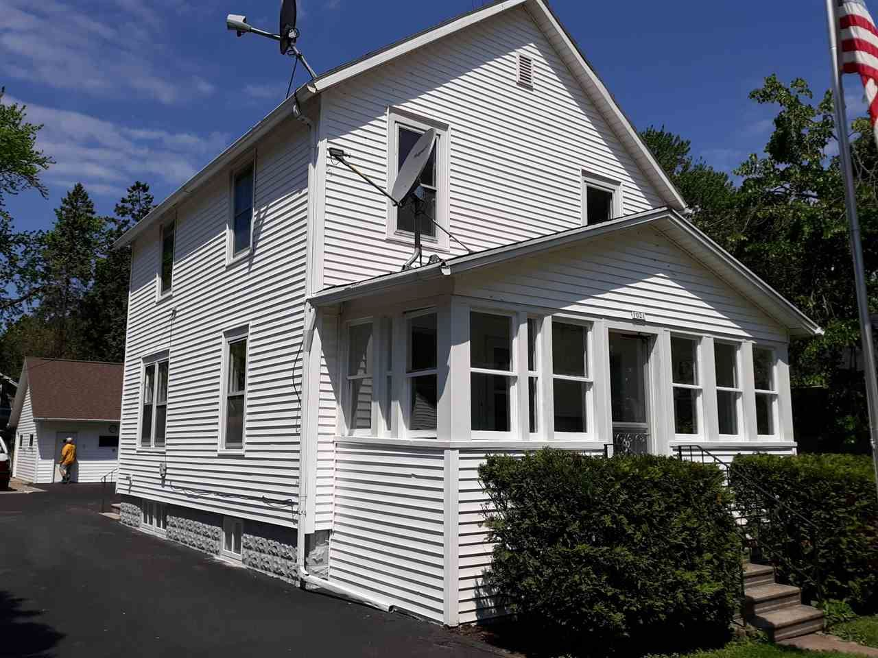 1021 GRAND Street, Oshkosh, WI 54901 - MLS#: 50224035