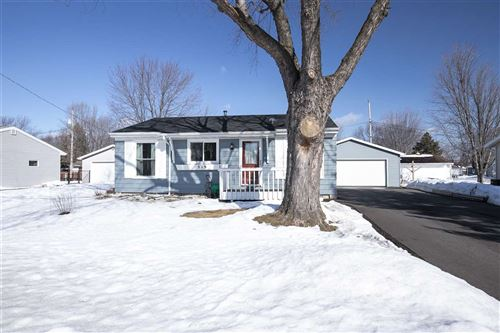 Photo of 319 MARK Court, NEENAH, WI 54956 (MLS # 50236043)