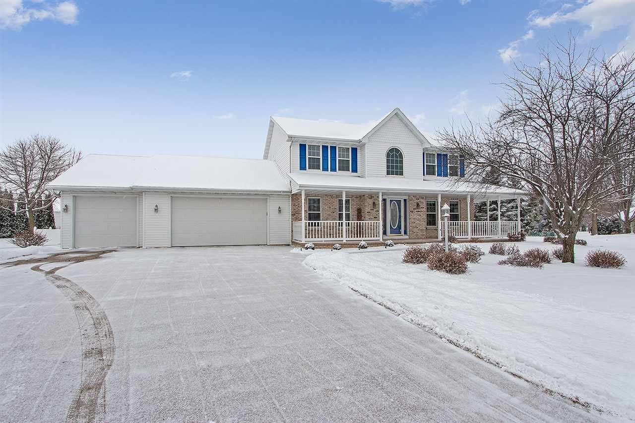 Photo for W5955 TRANQUIL Way, APPLETON, WI 54915 (MLS # 50216046)