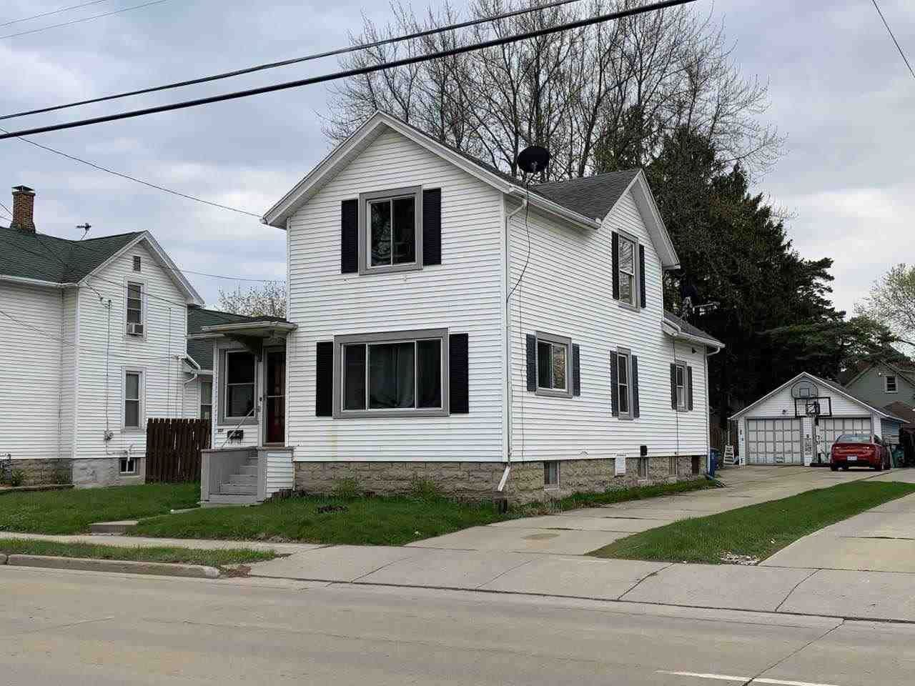 337 W SOUTH PARK Avenue, Oshkosh, WI 54902 - MLS#: 50239053