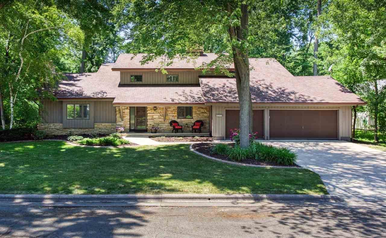 2429 FOREST MANOR Court, Neenah, WI 54956 - MLS#: 50242058