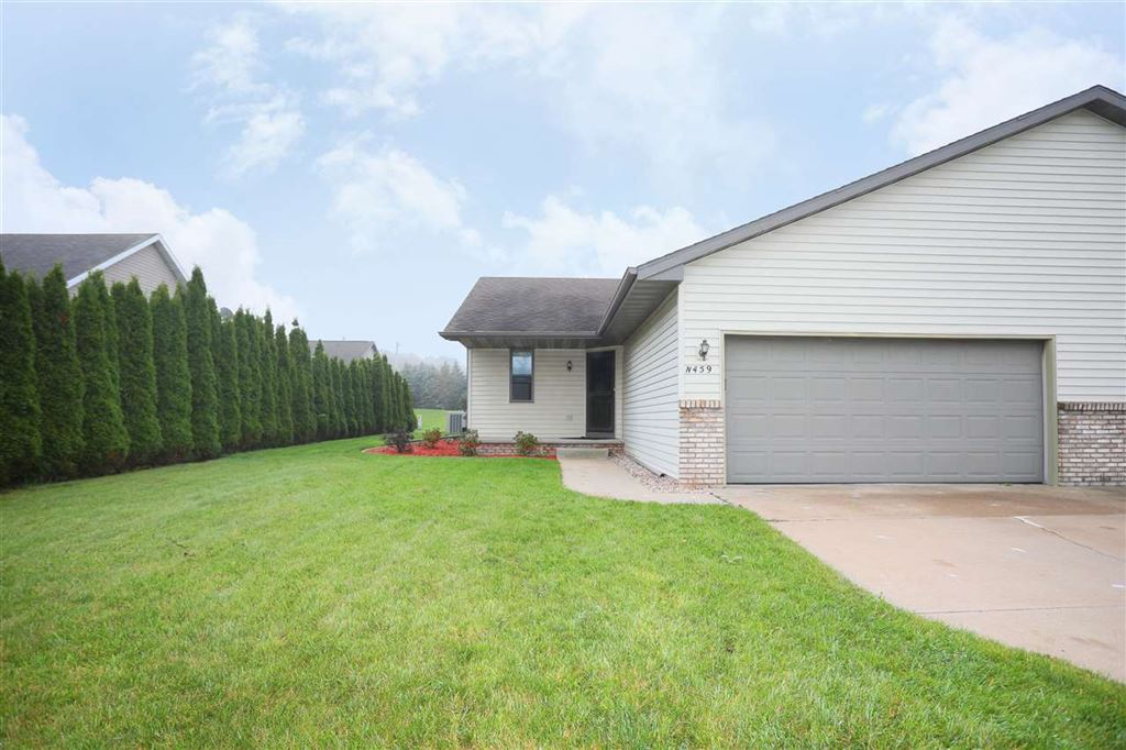Photo for N459 KILSDONK Court, APPLETON, WI 54915 (MLS # 50211060)