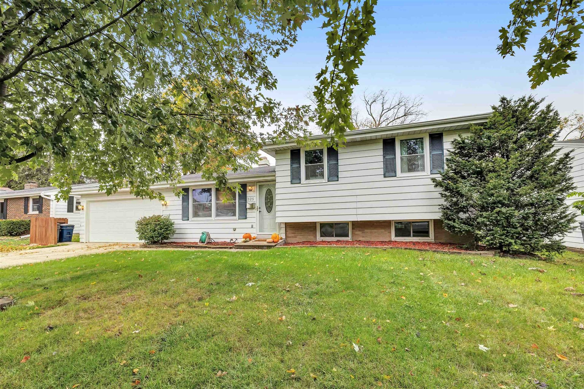 325 FLORAL Drive, Green Bay, WI 54301 - MLS#: 50250061