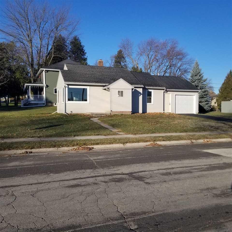 2201 VAN BUREN Street, New Holstein, WI 53061 - MLS#: 50233064