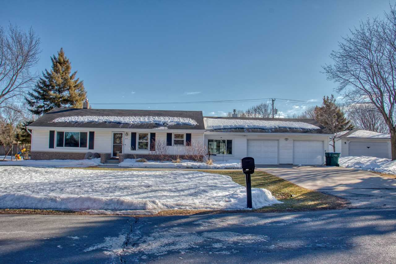 615 W SUNSET Avenue, Appleton, WI 54911 - MLS#: 50236079