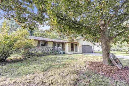 Photo of 3045 HOLLAND Road, GREEN BAY, WI 54313 (MLS # 50230080)