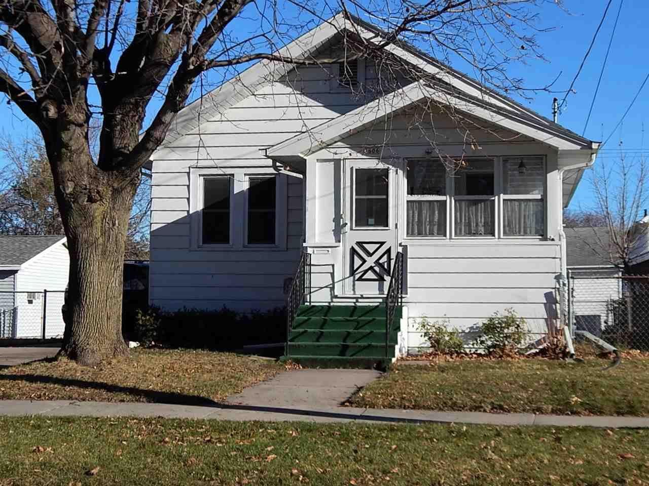1606 MT VERNON Street, Oshkosh, WI 54901 - MLS#: 50233103