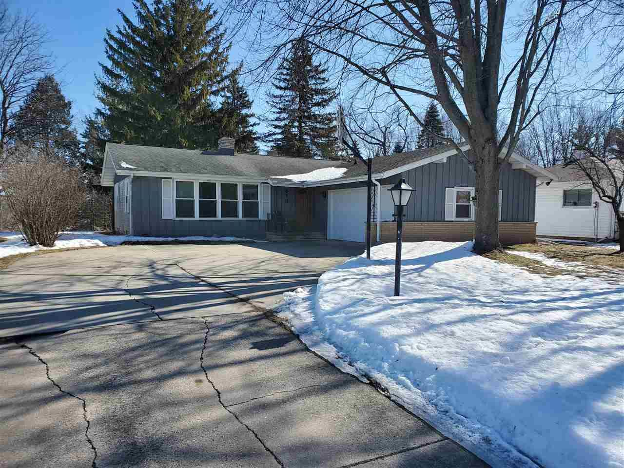 413 BUCHANAN Road, Combined Locks, WI 54113 - MLS#: 50236103