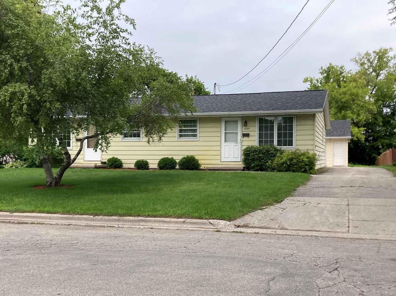 1715 EASTMAN Avenue, Green Bay, WI 54302 - MLS#: 50249104