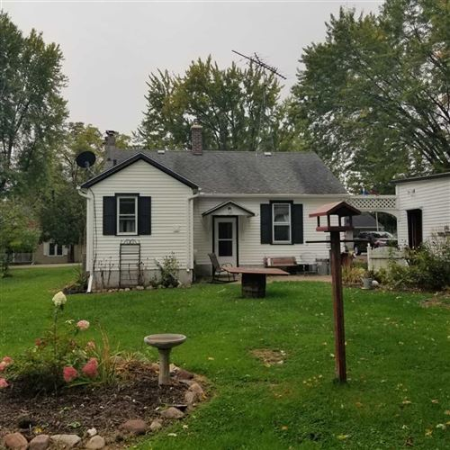 Photo of w2330 COMMERCIAL Street, POY SIPPI, WI 54967 (MLS # 50230112)