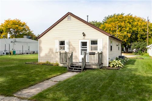 Photo of 321 N MAPLE Avenue, GREEN BAY, WI 54303 (MLS # 50230119)