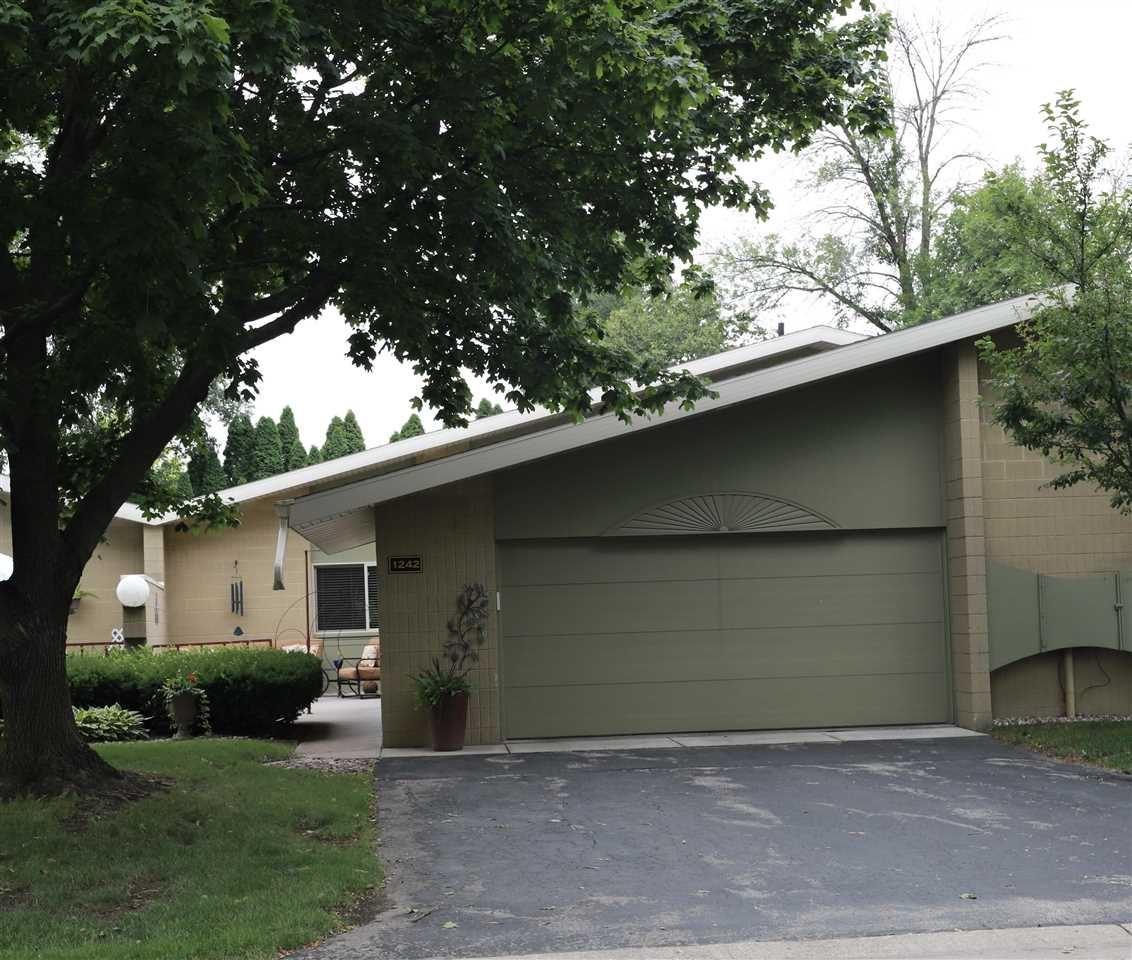 1242 W NICOLET Circle, Appleton, WI 54914 - MLS#: 50245126