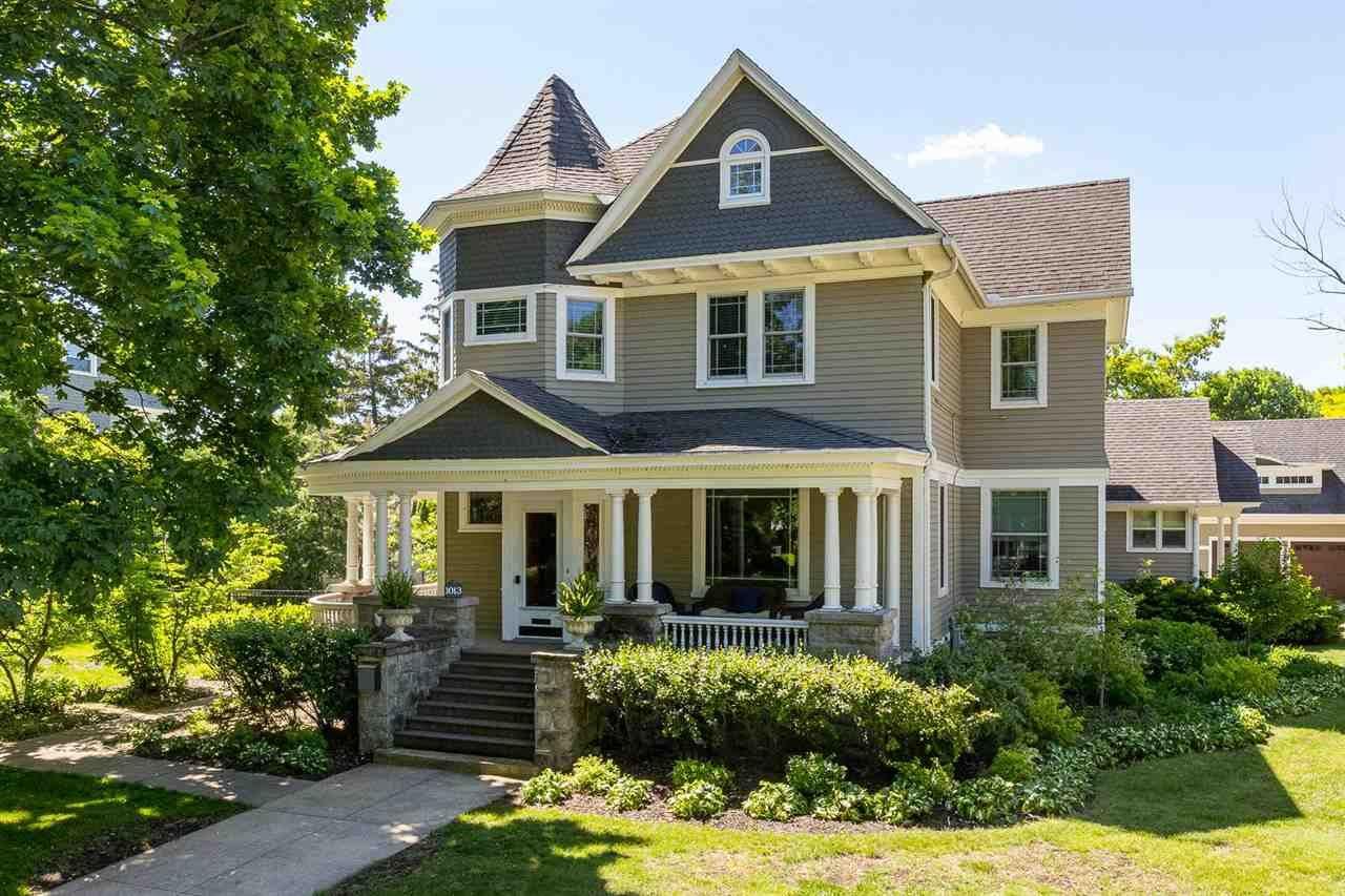1013 WASHINGTON Avenue, Oshkosh, WI 54901 - MLS#: 50241129