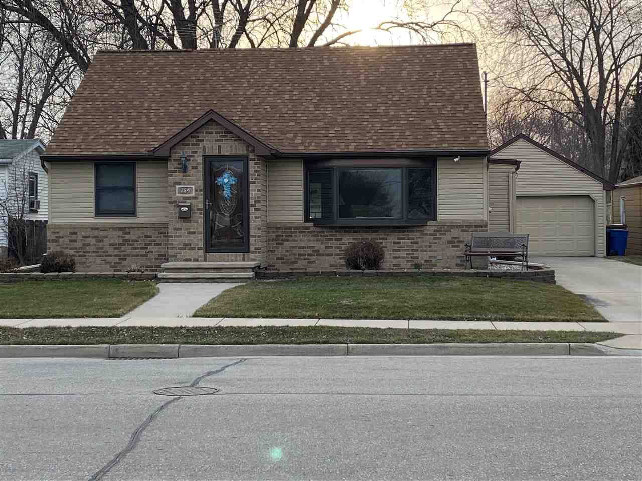 754 LONDON Street, Menasha, WI 54952 - MLS#: 50240132