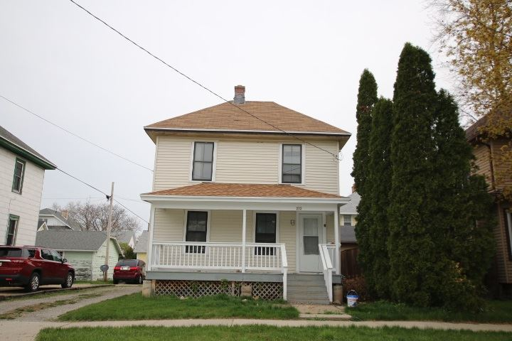 232 W LINCOLN Avenue, Oshkosh, WI 54901 - MLS#: 50239134
