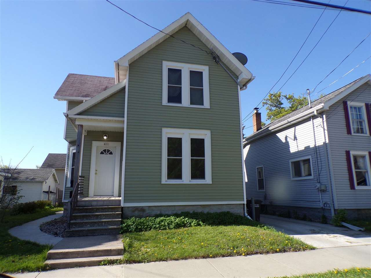 821 E PARKWAY Avenue, Oshkosh, WI 54901 - MLS#: 50240135