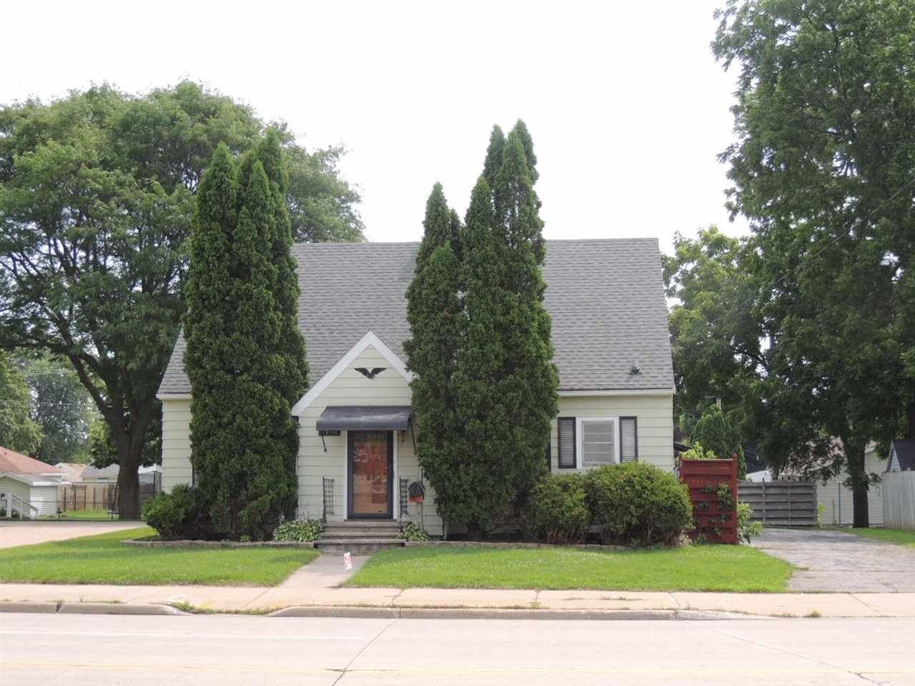 2102 N RICHMOND Street, Appleton, WI 54911 - MLS#: 50244138