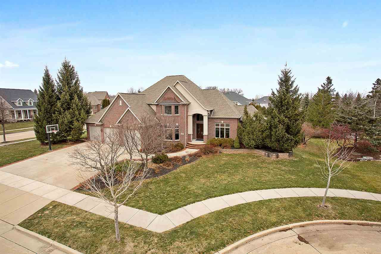 Photo for 4416 N BUNTING Court, APPLETON, WI 54913 (MLS # 50234144)