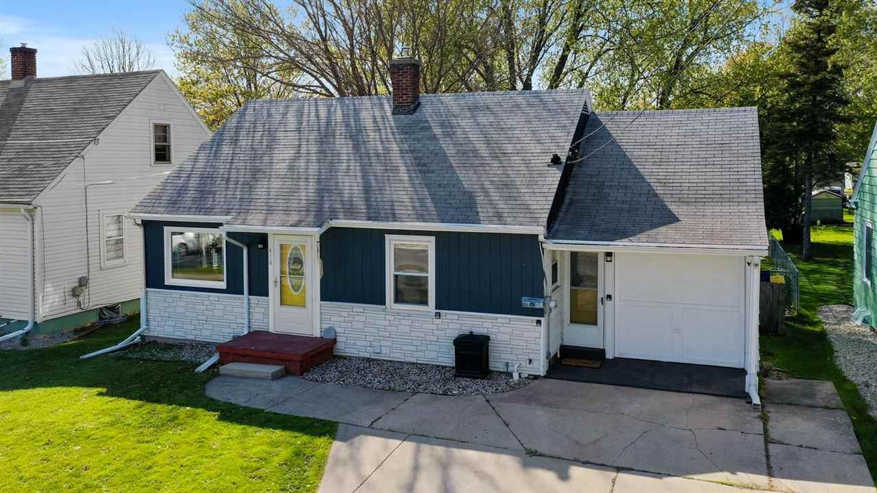 416 BELLEVUE Street, Green Bay, WI 54302 - MLS#: 50240148