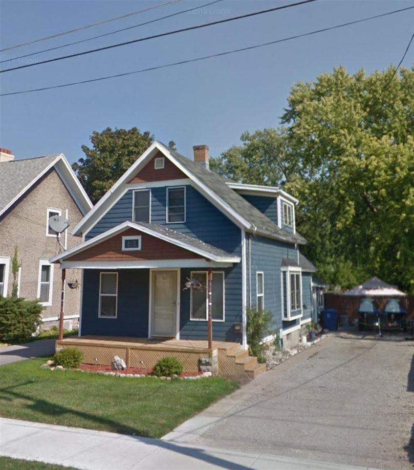 812 GRAND Street, Oshkosh, WI 54901 - MLS#: 50240167