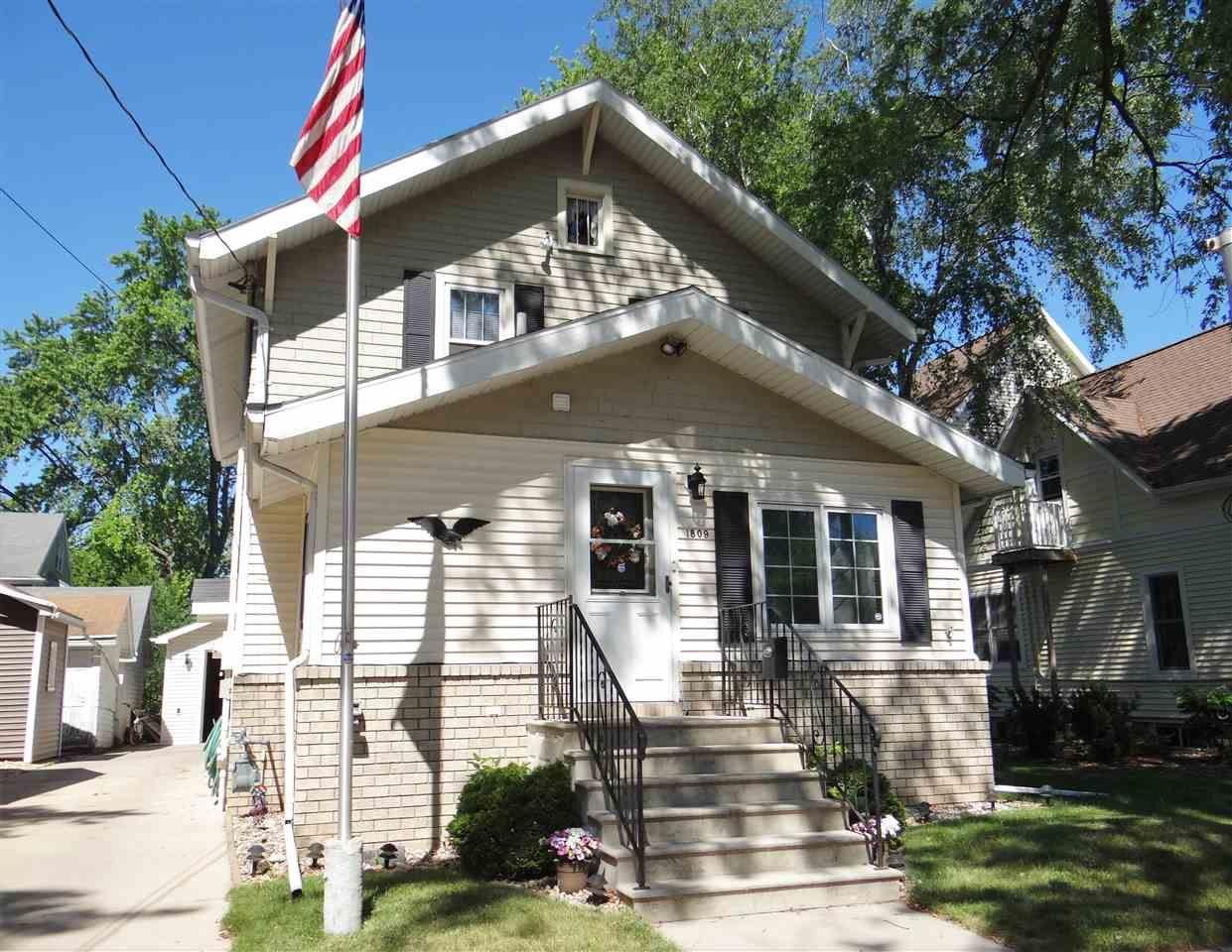 Photo of 1809 N ONEIDA Street, APPLETON, WI 54911 (MLS # 50242172)