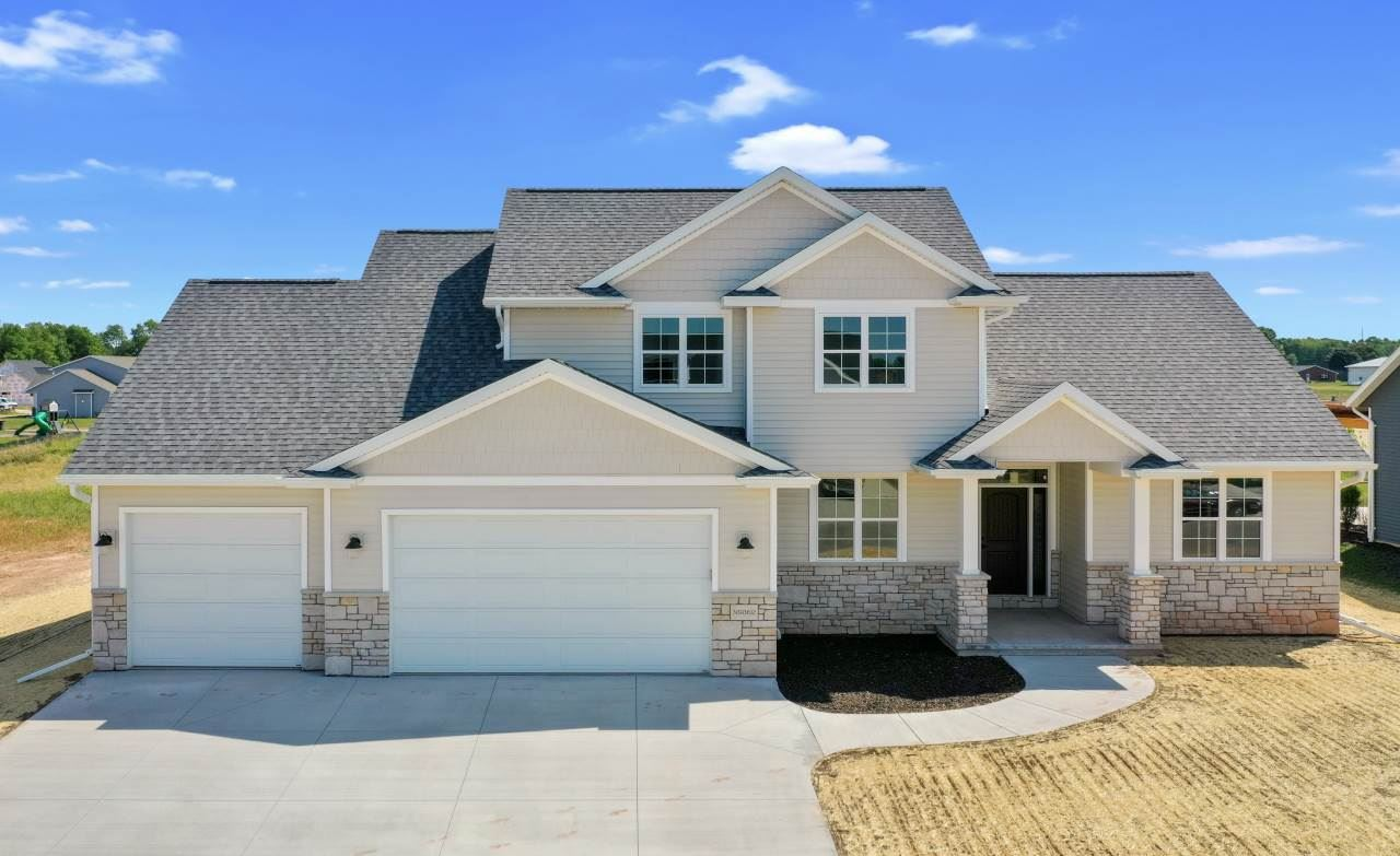 Photo for N9362 TOUCHDOWN Drive, APPLETON, WI 54915 (MLS # 50225176)