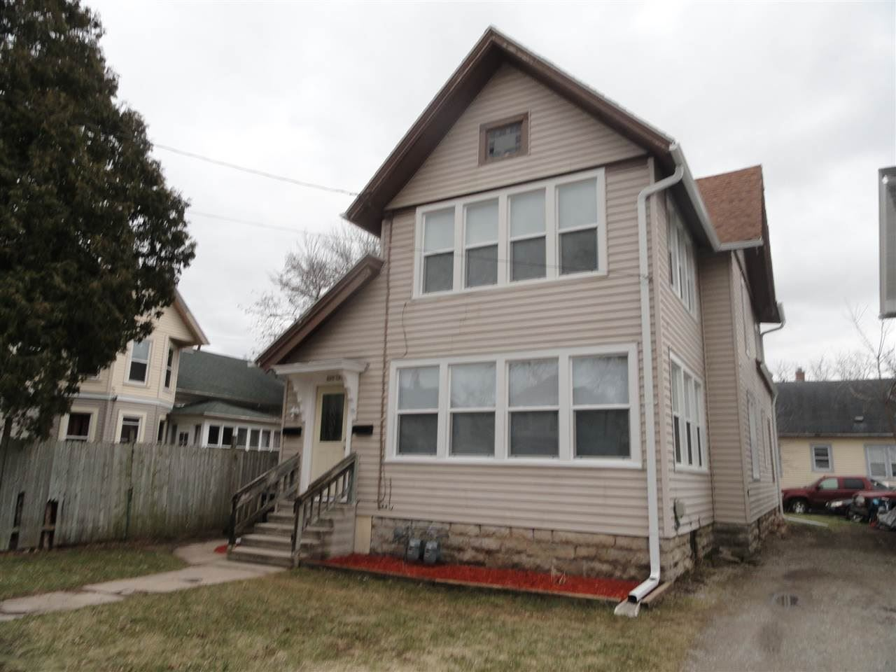 107 E FULTON Avenue, Oshkosh, WI 54901 - MLS#: 50238181