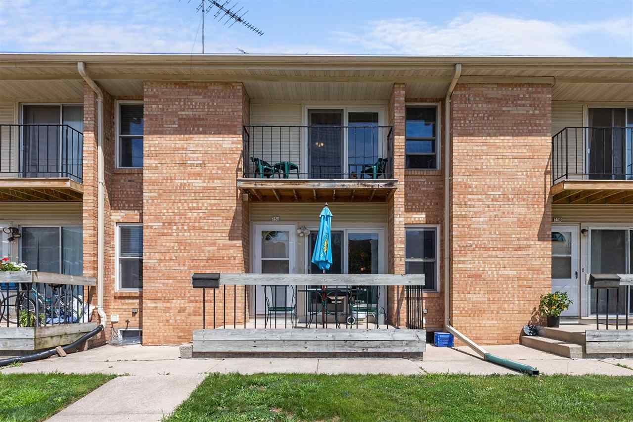 752 W 10TH Avenue, Oshkosh, WI 54902 - MLS#: 50245182