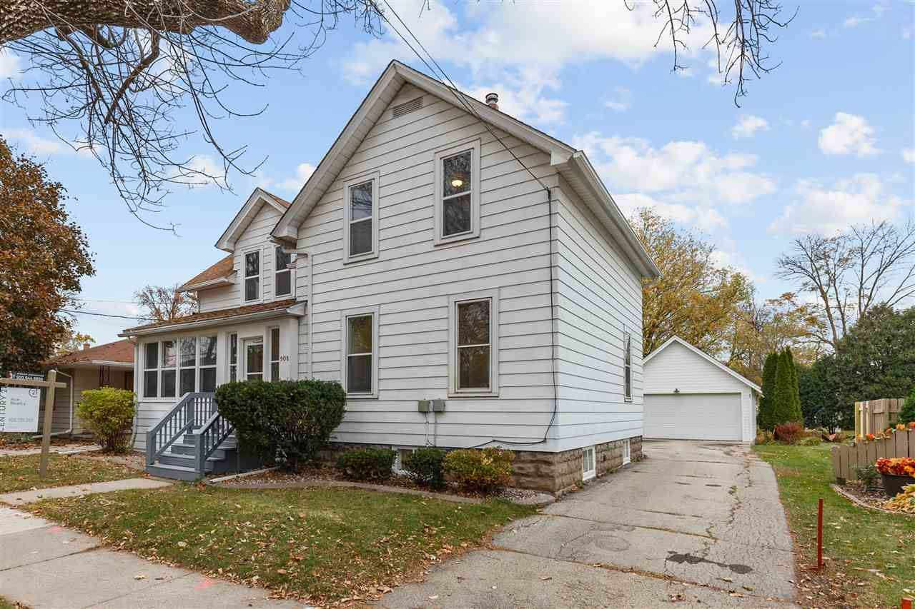 Photo of 908 S OUTAGAMIE Street, APPLETON, WI 54914 (MLS # 50231200)