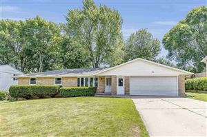 Photo of 949 RASMUSSEN Place, GREEN BAY, WI 54304 (MLS # 50207201)