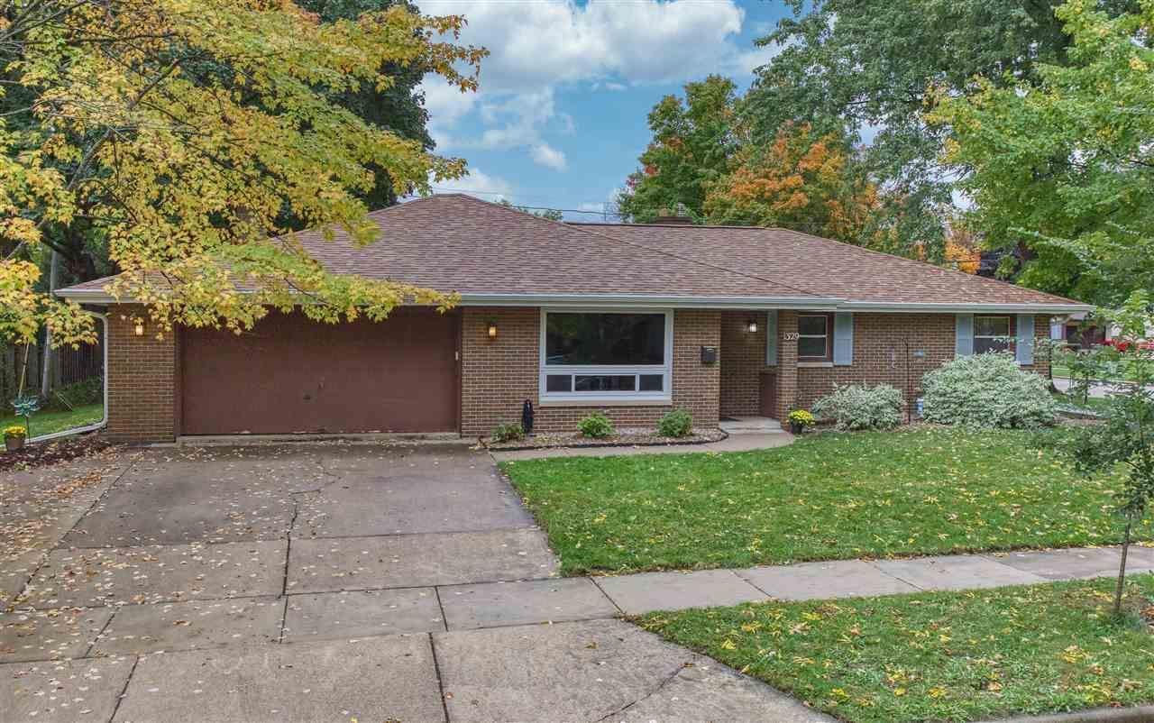 1329 E HARDING Drive, Appleton, WI 54915 - MLS#: 50230202