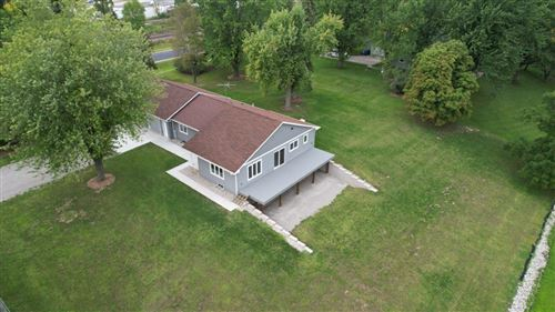 Photo of 2189 BUTTE DES MORTS BEACH Road, NEENAH, WI 54956 (MLS # 50247212)