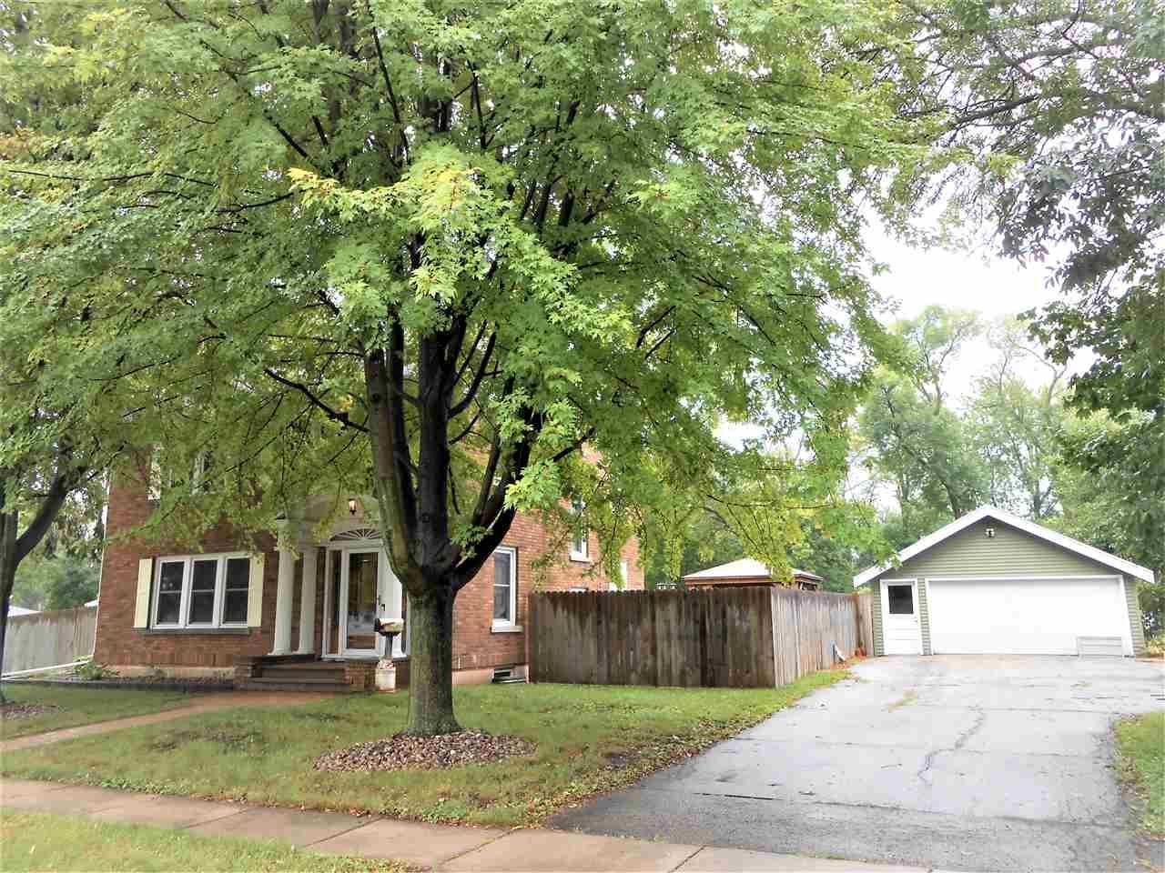 2025 WINCHESTER Avenue, Oshkosh, WI 54901 - MLS#: 50229227