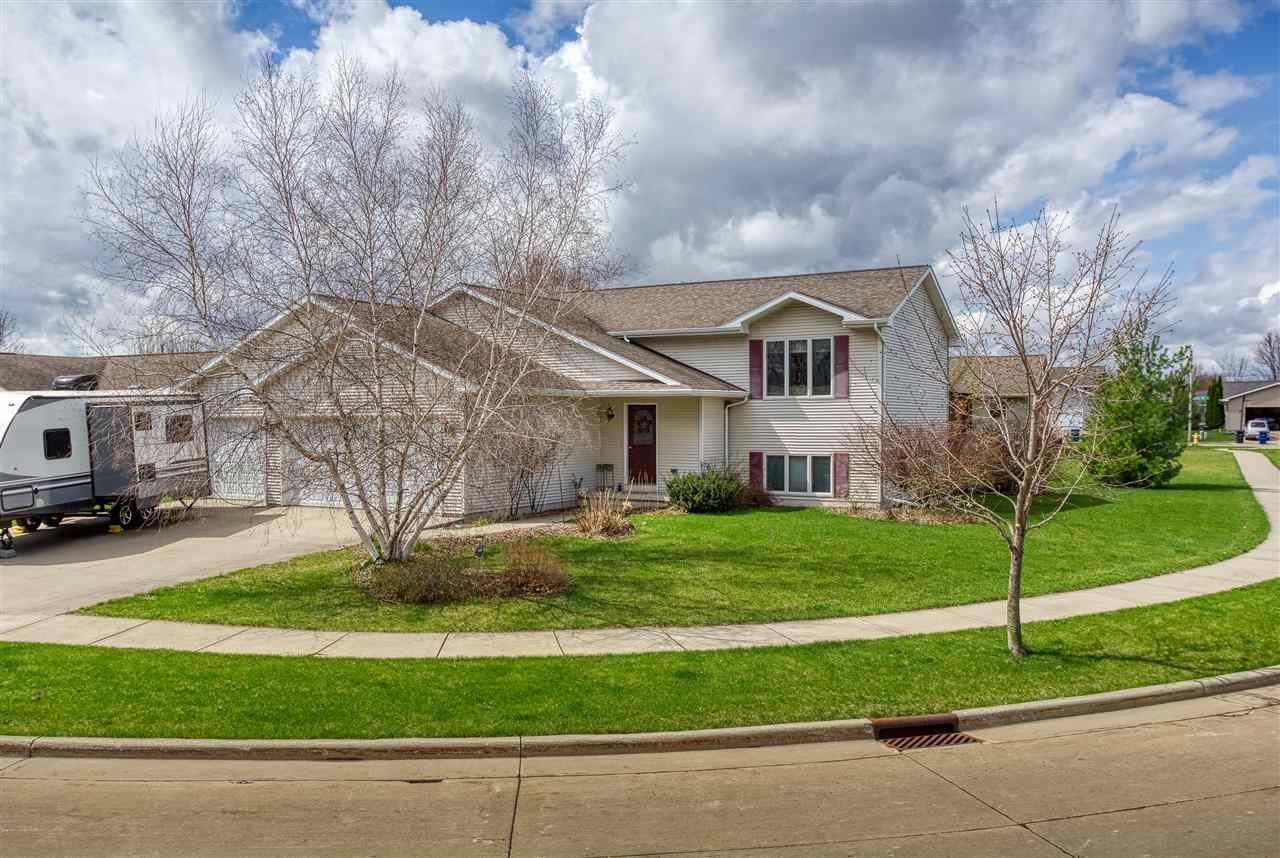 1225 FAIRFAX Street, Oshkosh, WI 54904 - MLS#: 50238229