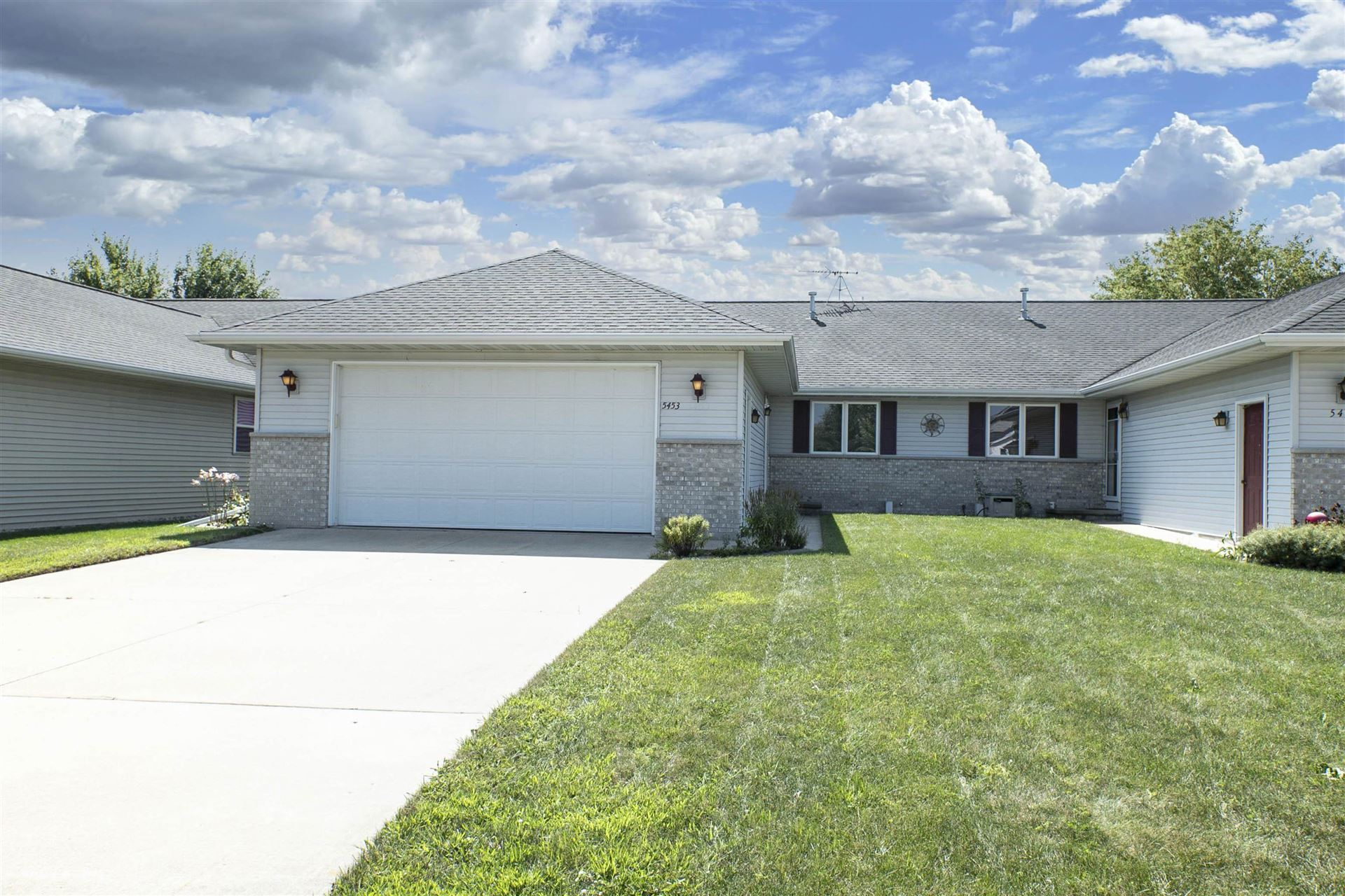 Photo for 5453 W BROOKVIEW Drive, APPLETON, WI 54913 (MLS # 50248270)