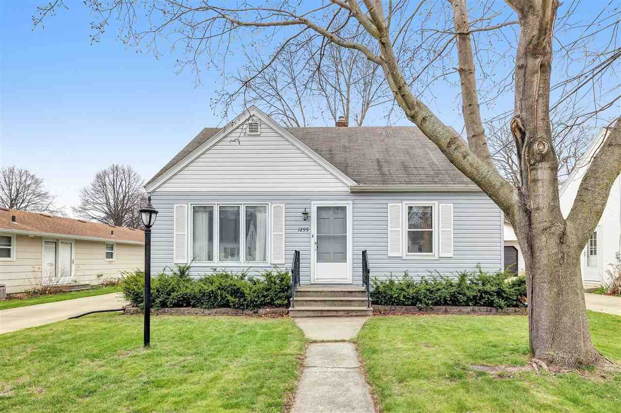 1299 DESNOYERS Street, Green Bay, WI 54303 - MLS#: 50238285