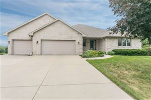 Photo of 1401 WILBERT HILL Court, GREEN BAY, WI 54313 (MLS # 50207297)