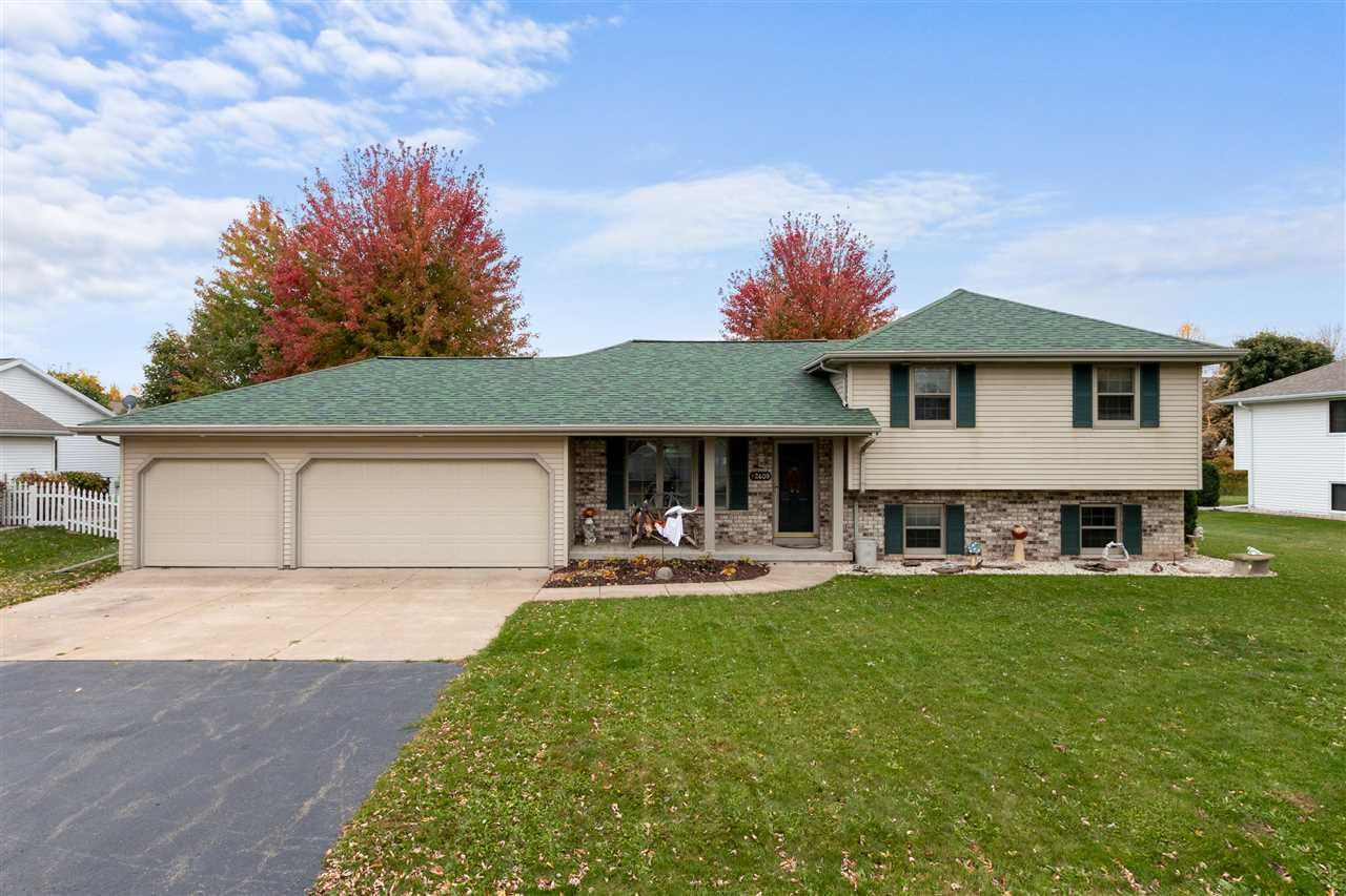 Photo of W2409 SNOWBERRY Drive, APPLETON, WI 54915 (MLS # 50231300)