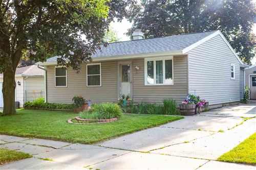Photo of 2512 S FOUNTAIN Avenue, APPLETON, WI 54915 (MLS # 50225320)