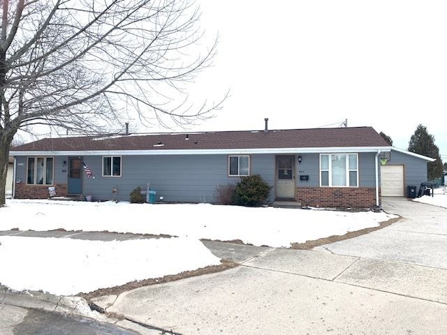 907 SUNSET Court, Two Rivers, WI 54241 - MLS#: 50234322