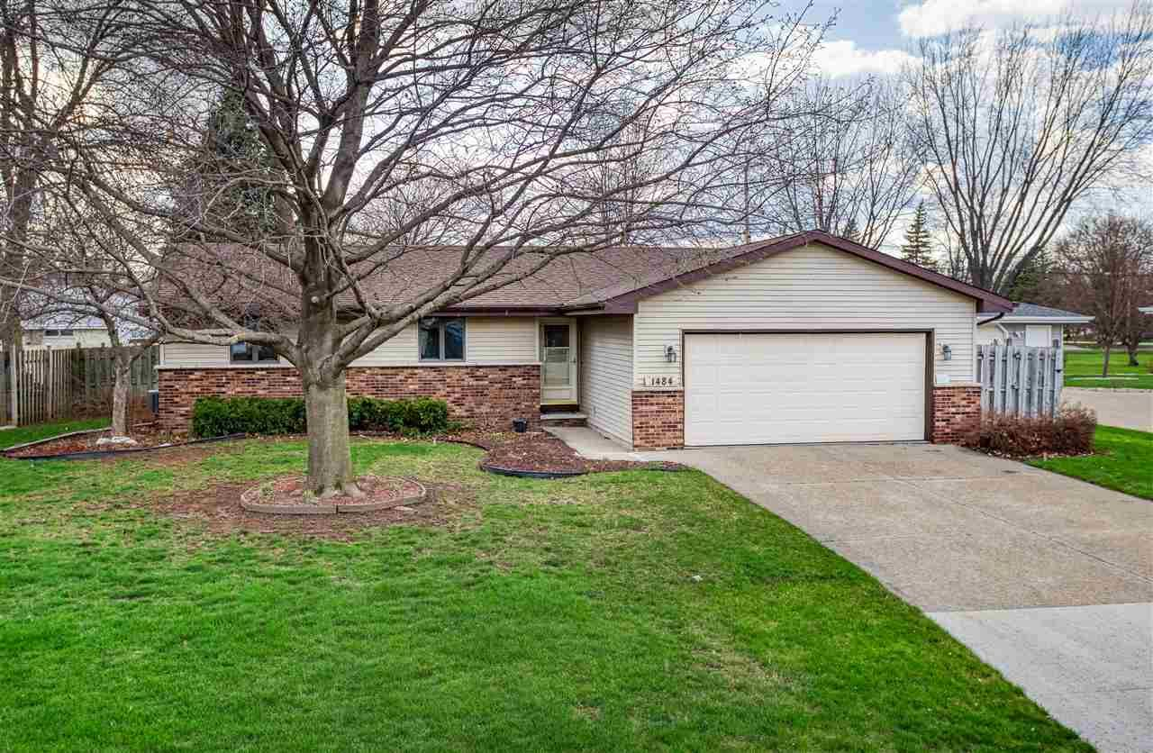 1484 CIRCLE Drive, Menasha, WI 54952 - MLS#: 50238326
