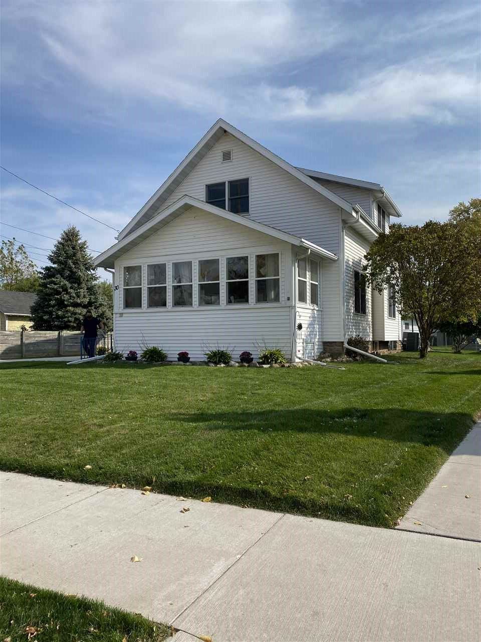 30 EVELINE Street, Oshkosh, WI 54901 - MLS#: 50231329