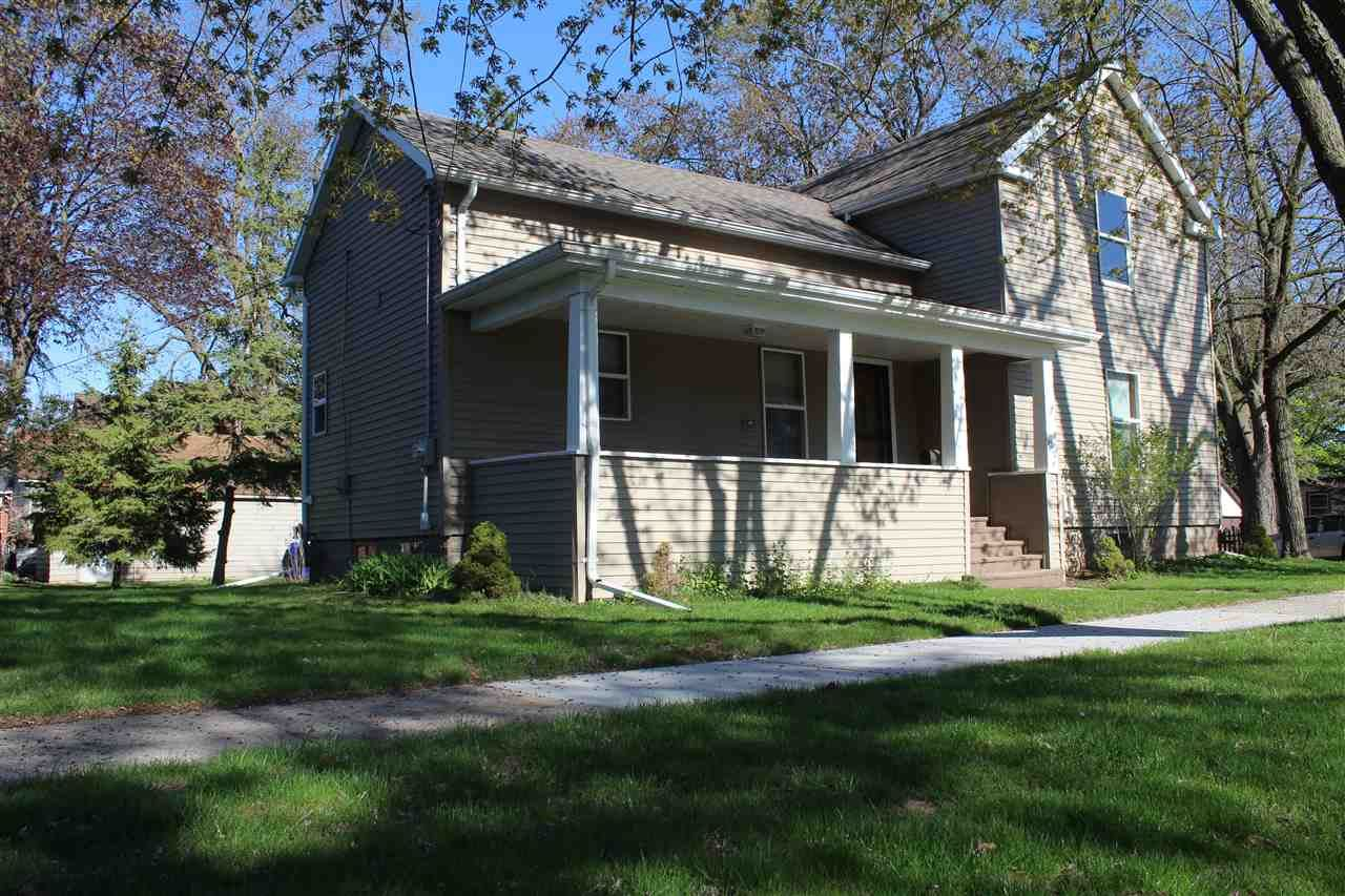 Photo for 1002 N DURKEE Street, APPLETON, WI 54911 (MLS # 50222336)