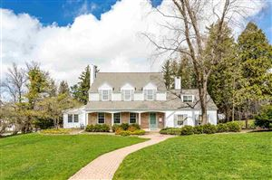 Photo of 222 W MISSION Road, GREEN BAY, WI 54301 (MLS # 50202339)